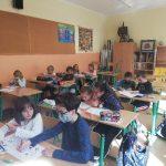 Uczniowie rozwiązują zadania konkursowe.