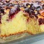 Ciasto drożdżowe z owocami.