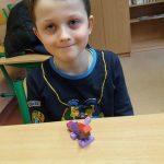 Uczeń klasy 3c zbudował kotka z klocków lego.