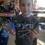 2b- Uczeń prezentuje wykonane wirusy.