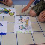 Ozoboty podróżują po wyznaczonych trasach: rozgwiazdy,ryby, żółwia.