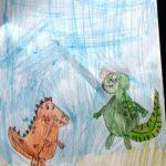 Lenka Wi. Na rysunku są dwa dinozaury, zielony i brązowy w plamki.