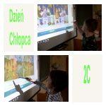 Chłopaki bystrzaki szukają różnic w obrazkach.