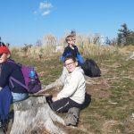 zdjęcie przedstawia uczniów klasy 4C na wycieczce